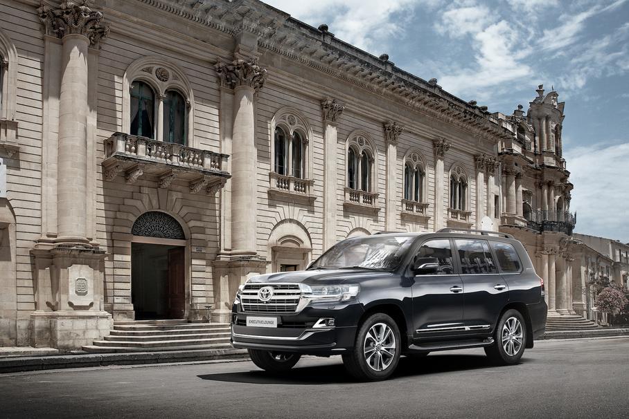 В РФ появился обновленный Toyota Land Cruiser 200