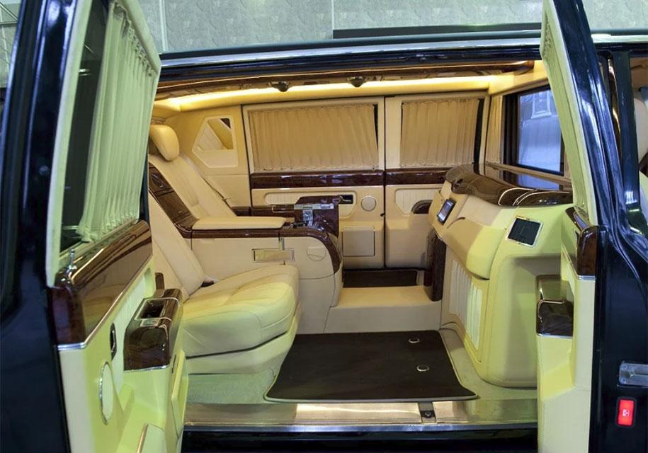 Уникальный лимузин ЗИЛ-4112Р выставлен на продажу за 70 млн рублей