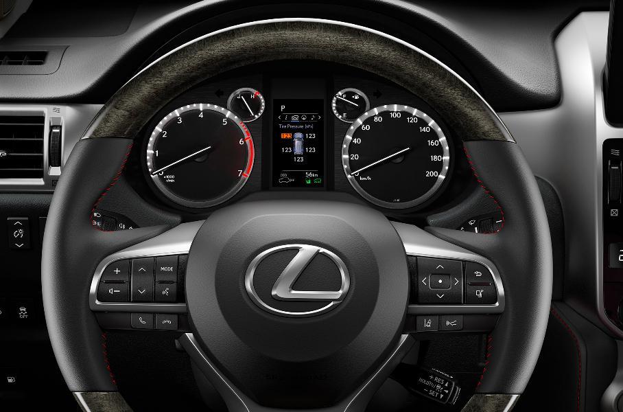 Стартовали российские продажи обновленного внедорожника Lexus GX 460