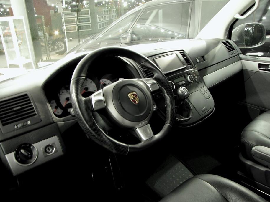 Фургон Volkswagen c двигателем от Porsche 911 выставлен на продажу