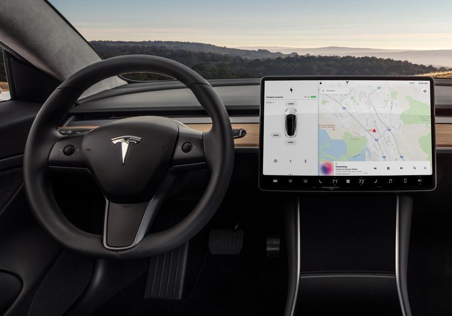 Tesla сделала проще процедуру использования автопилота на Model 3