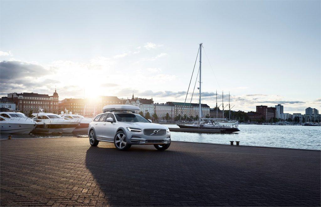 Volvo привезет в РФ спецверсию VolvoV90 Cross Country в начале 2018 года
