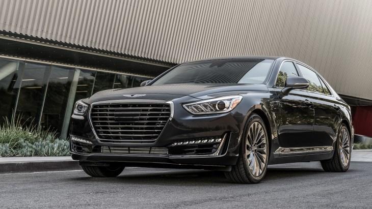 Эксперты назвали ТОП-10 самых безопасных премиальных автомобилей 2018 года