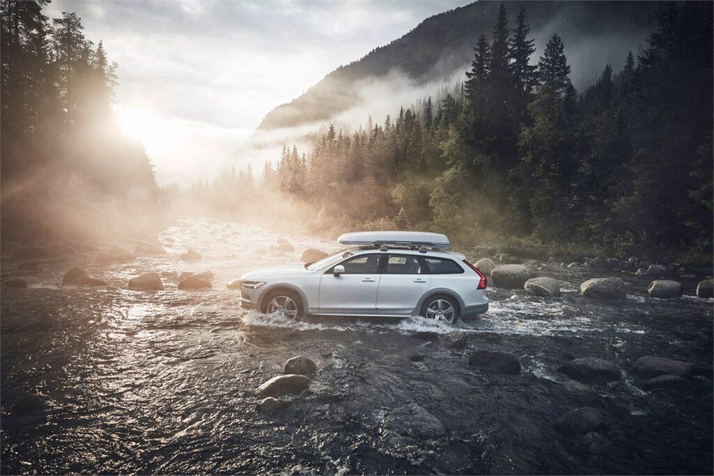 Volvo в РФ везет лимитированную версию Volvo V90 Cross Country