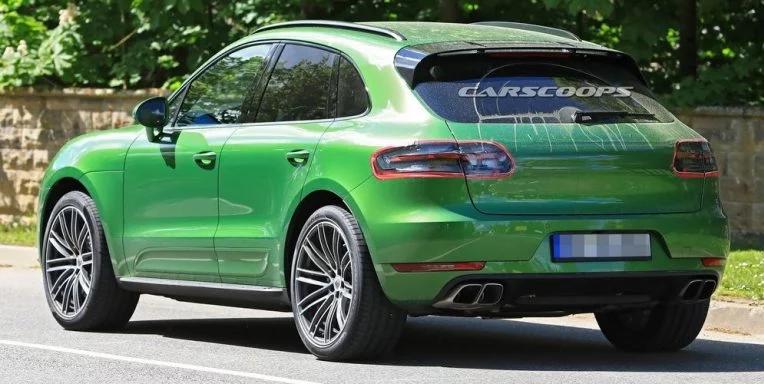 В Сети опубликованы фото обновленного Porsche Macan без камуфляжа
