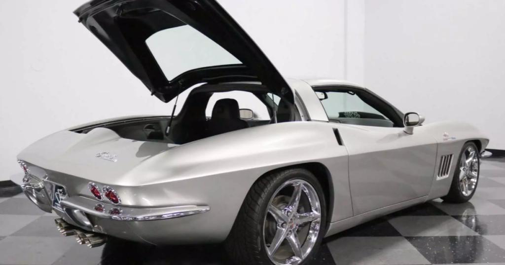 Шестилетний Chevrolet Corvette получил внешность модели 1967 года