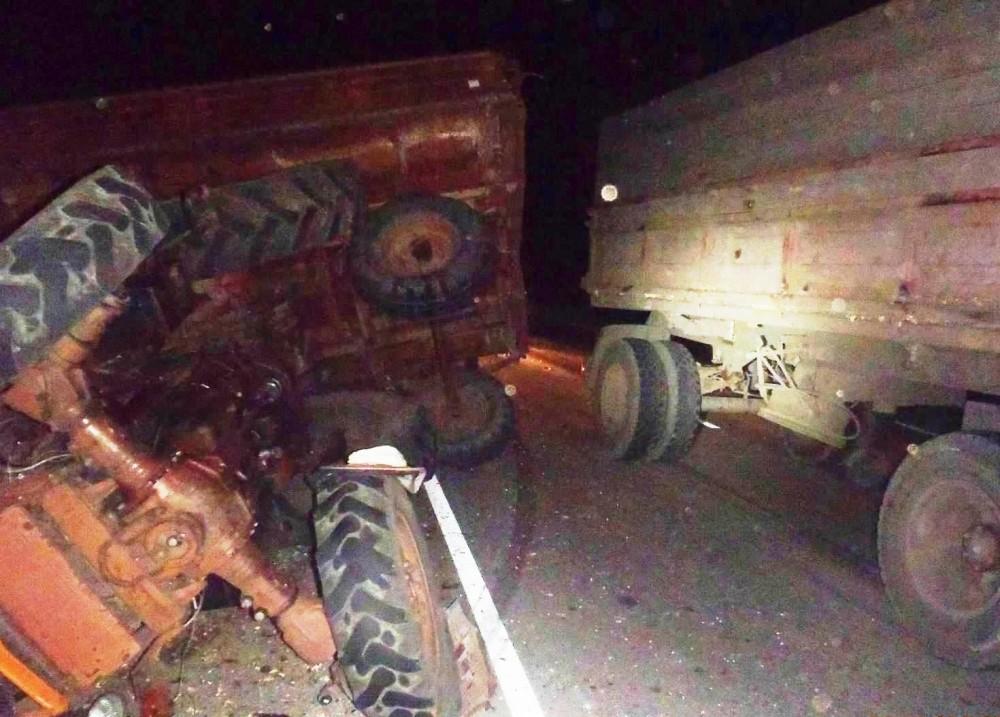 Два человека пострадали в ДТП трактора и «КамАЗа» в Липецкой области