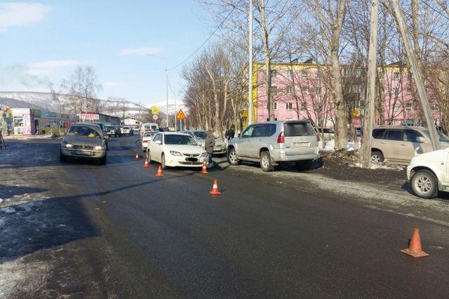 17-летнего студента в Елизово сбила автоледи на Subaru Impreza