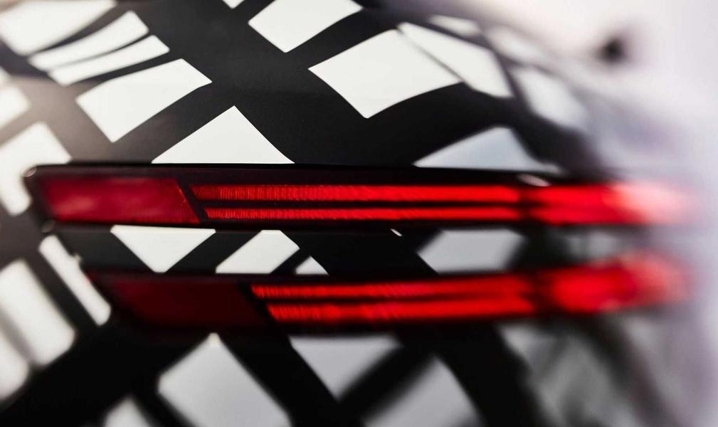 Бренд Genesis показал новый кроссовер GV70 на снимках