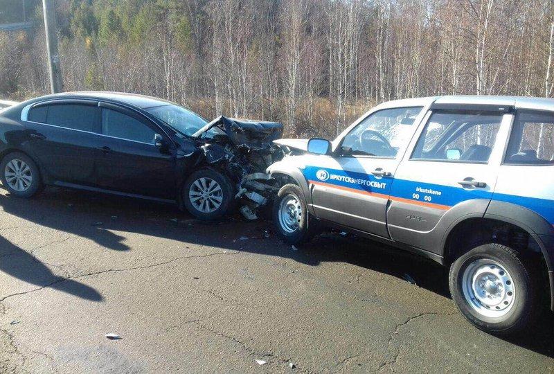 Водитель «Нивы» погиб в ДТП с Renault на Байкальском тракте