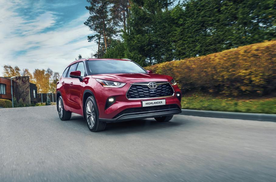 Toyota запустила продажи своего нового Toyota Highlander в РФ