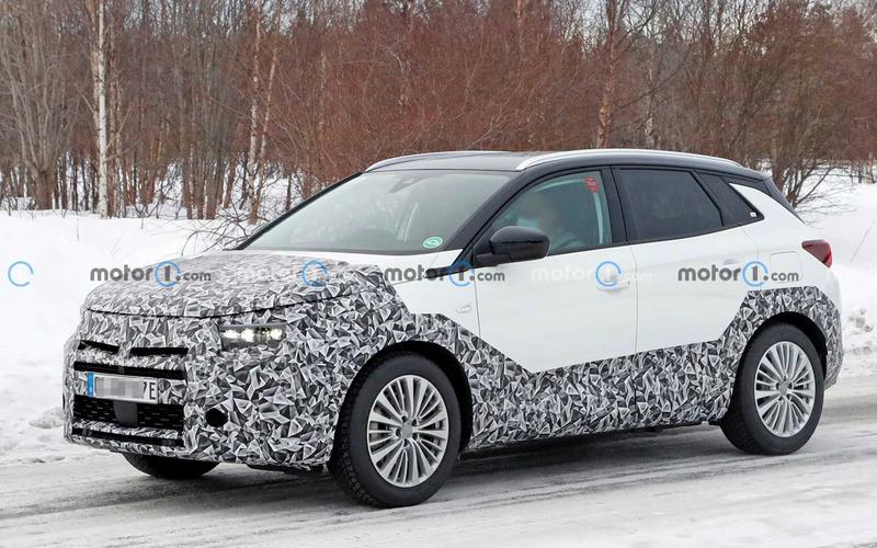 В интернете появились фото нового кроссовера Opel Grandland X