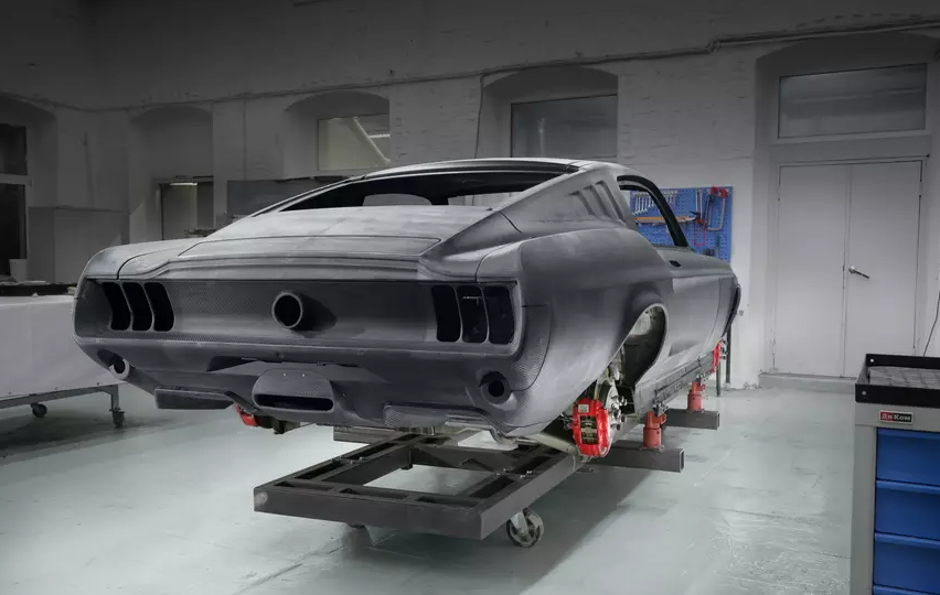 Российский спорткар Aviar R67 в стиле Ford Mustang показали на фото
