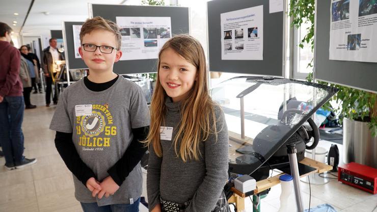 Дети придумали самую экономичную в мире стеклоомывайку для автомобилей