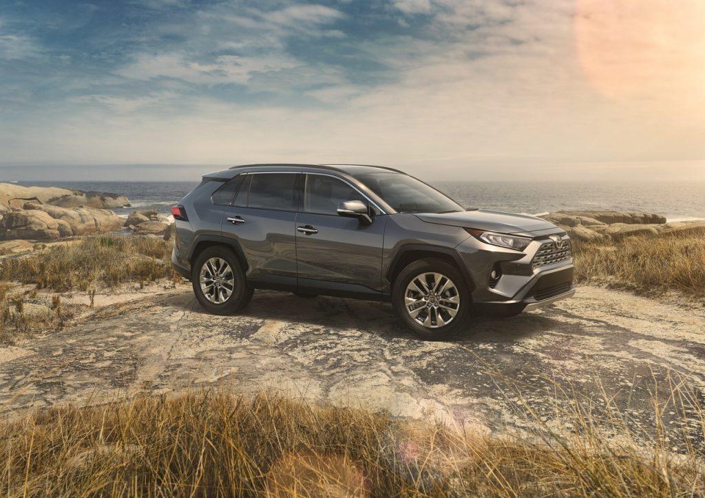 Питерский завод Toyota завершает выпуск RAV4 четвертой генерации