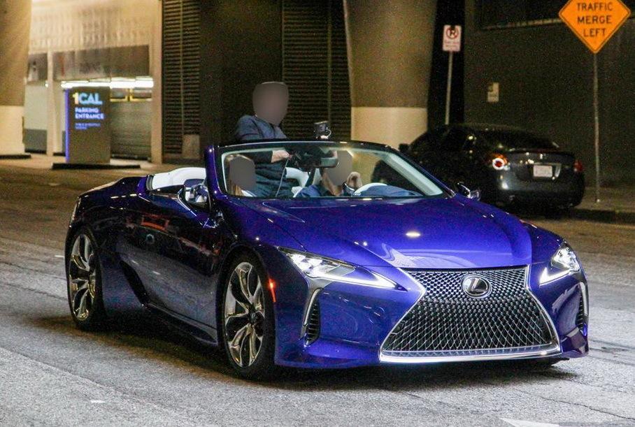 Опубликованы фотографии серийной версии кабриолета Lexus LC
