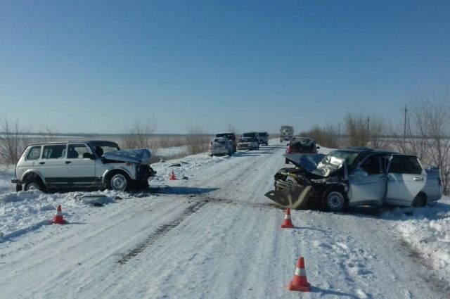 Один погиб, четверо пострадали в жутком ДТП двух «ВАЗов» под Бузулуком