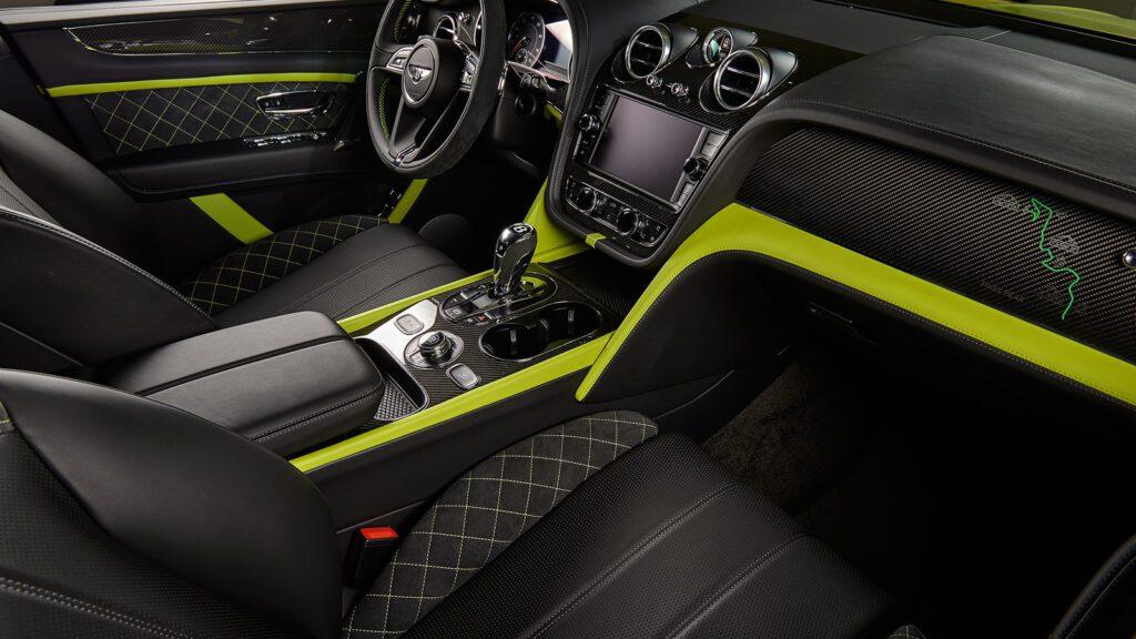 В Россию приехал эксклюзивный внедорожник Bentley Bentayga