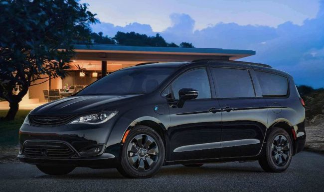 Микроавтобус Chrysler Pacifica получил пакет S Appearance Package