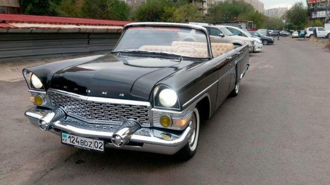 Реплику кабриолета ГАЗ-13 «Чайка» выставили на продажу за 14 млн рублей