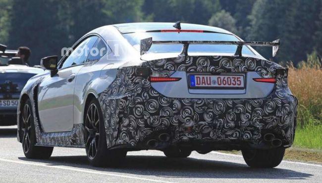 Lexus вывела на тесты в Германии «заряженное» купе Lexus RC F GT