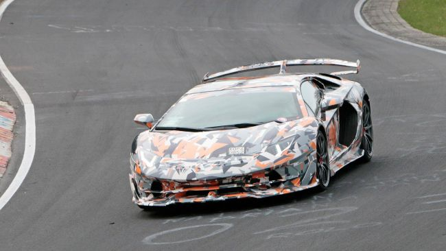 Lamborghini Aventador SVJ Reveal намерен побить рекорд Нюрбургринга