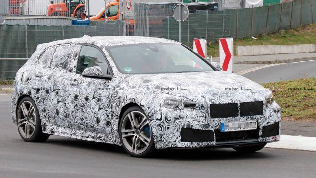 Новый BMW M140i в очередной раз пойман в камуфляже на Нюрбургринге