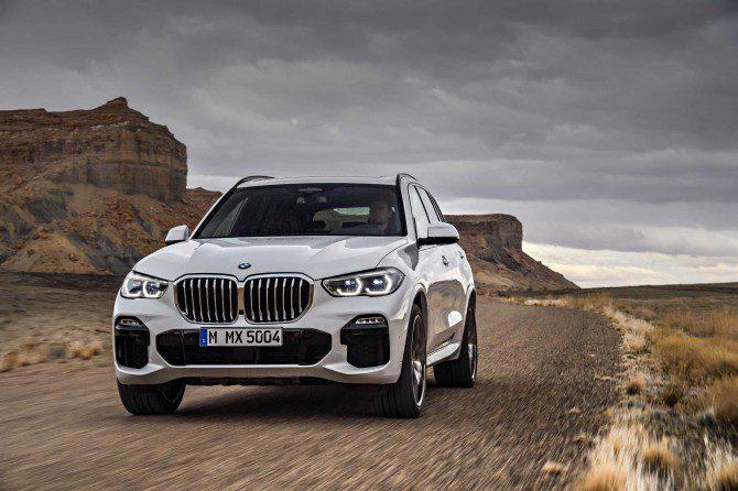 Новый кроссовер BMW X5 поступил в продажу на рынке РФ