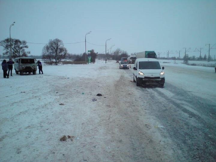 Пять машин столкнулись на М-8 в Ярославской области