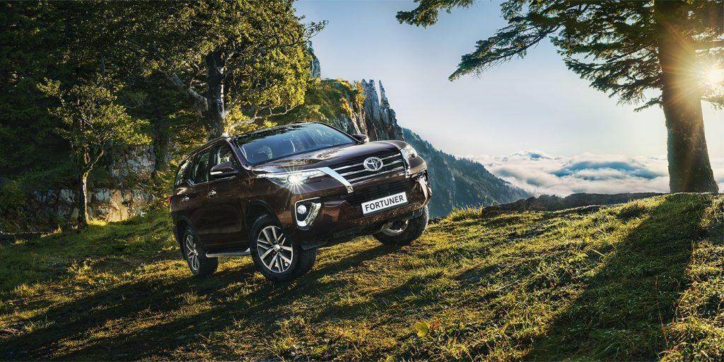 В России стартовали продажи нового внедорожника Toyota Fortuner
