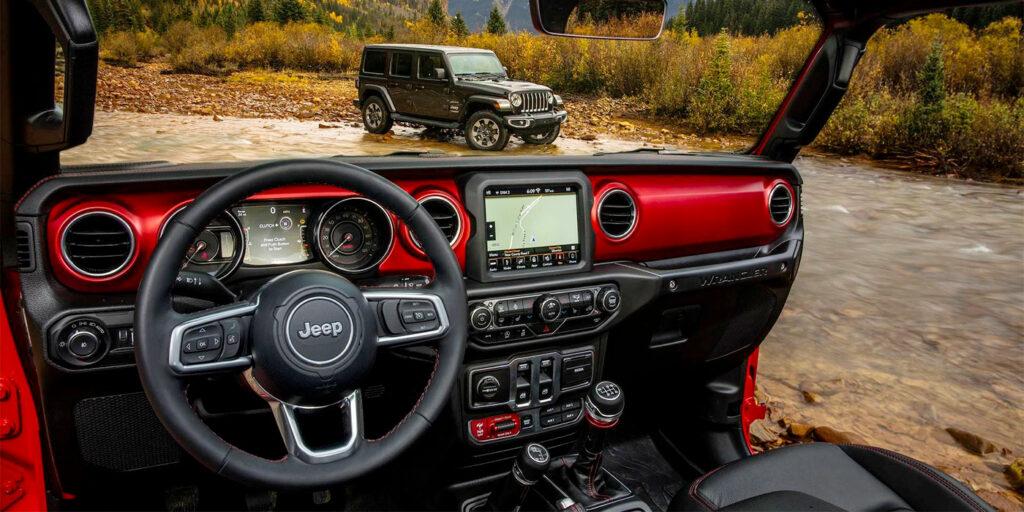 Jeep рассекретил дизайн интерьера Jeep Wrangler нового поколения
