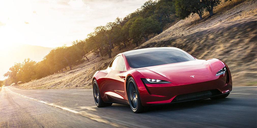 Tesla представила самый быстрый серийный электрокар