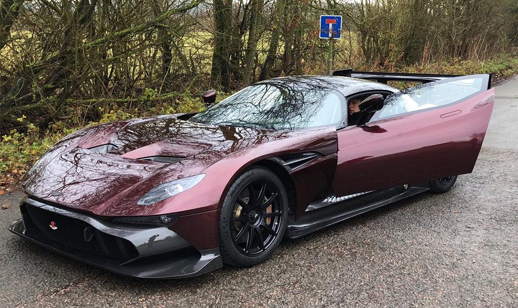Aston Martin Vulcan получил версию для дорог общего пользования
