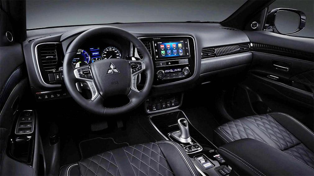 Компания Mitsubishi обновила гибридный кроссовер Outlander PHEV