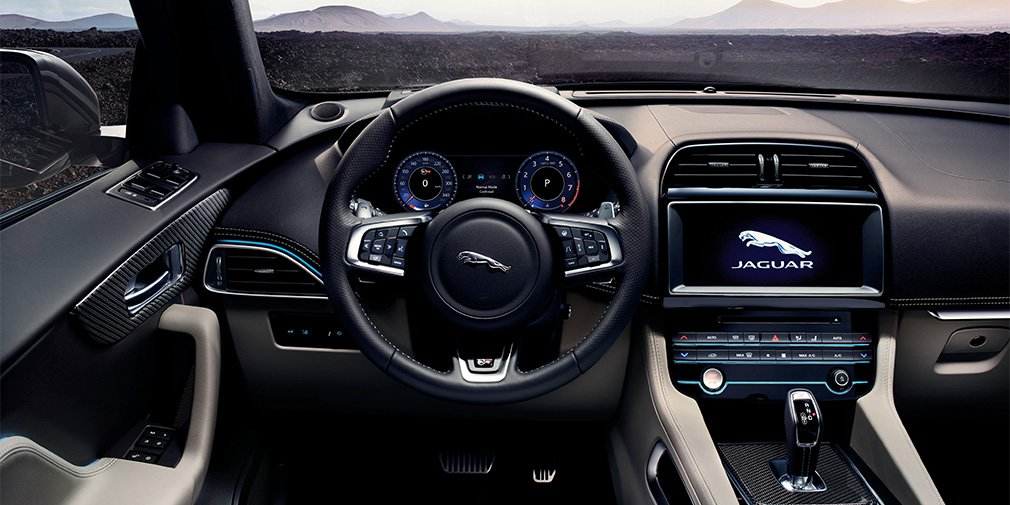 Компания Jaguar представила очень быстрый кроссовер Jaguar F-Pace