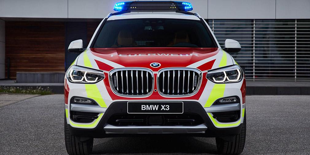 BMW представила пожарный BMW X3 и MINI для полиции