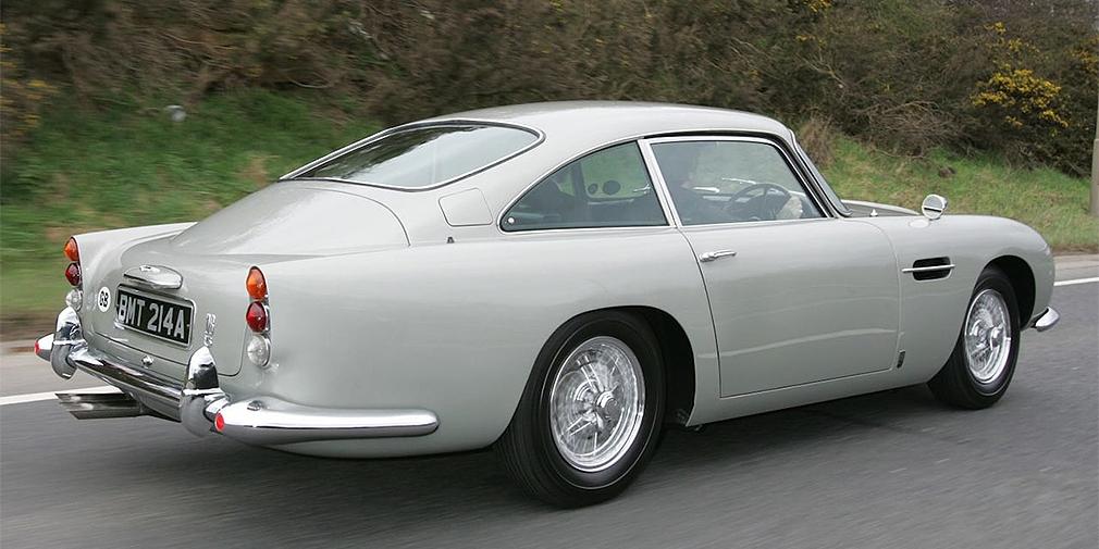 Автомобиль Aston Martin DB5 Джеймса Бонда продадут на аукционе