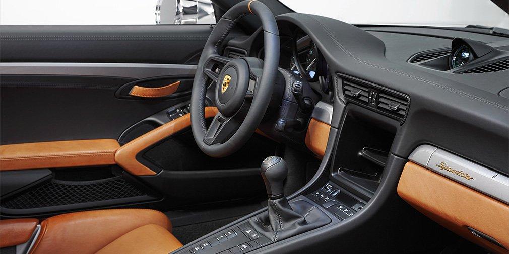 Porsche представил юбилейный 500-сильный спорткар 911 Speedster