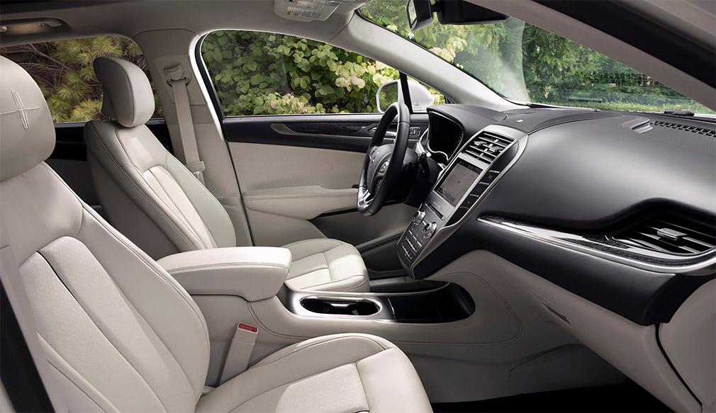 Модель Lincoln MKC сменит название на Lincoln Corsair
