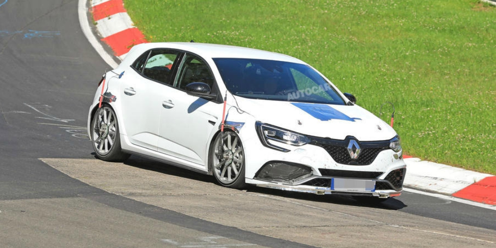 Renault начала готовить Megane RS к рекорду на трассе Нюрбургринга