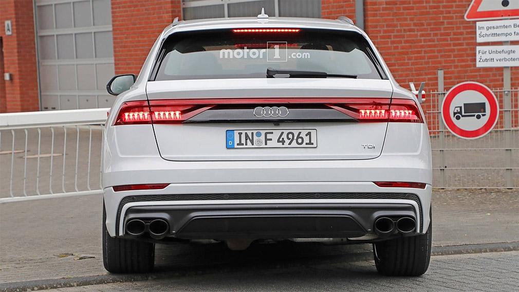 Спортивный кроссовер Audi SQ8 сфотографировали без камуфляжа