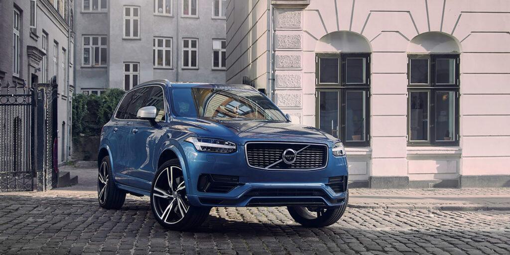 Названы российские цены на гибридный кроссовер Volvo XC90