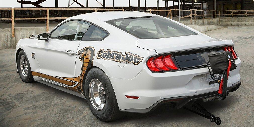 В Ford превратили Ford Mustang в рекордный дрэгстер