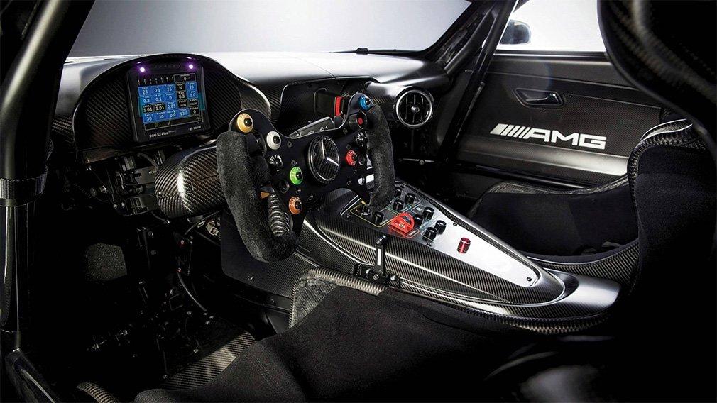 Mercedes выставил на торги спорткар Mercedes-AMG GT3 без пробега