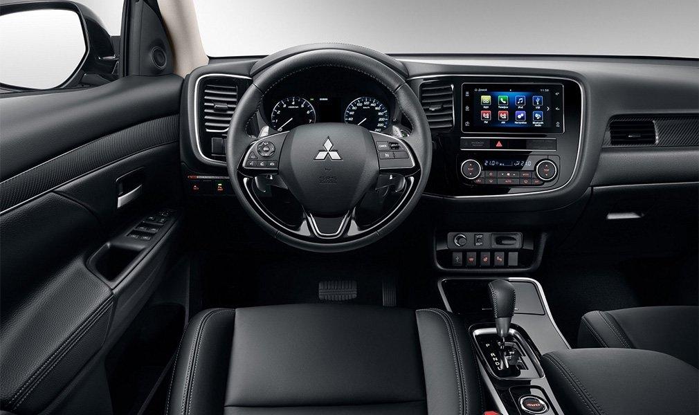 Названы цены на обновленный кроссовер Mitsubishi Outlander для РФ