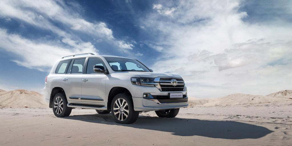 Toyota показала новую флагманскую версию Land Cruiser 200 для РФ