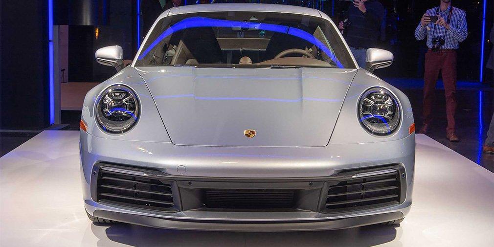 Porsche представила новую версию спорткара Porsche 911