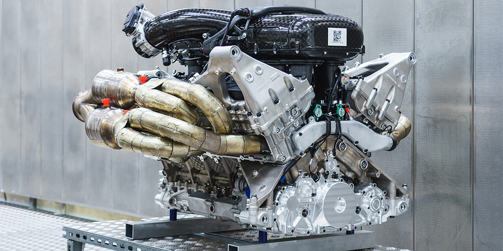 Aston Martin показал новый 1000-сильный двигатель для Valkyrie