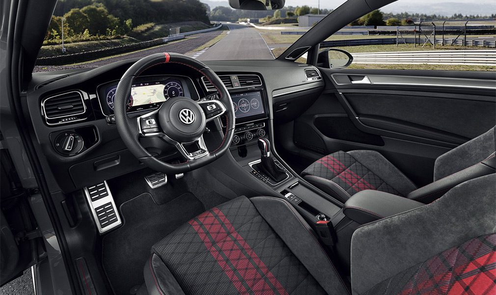 Volkswagen Golf GTI предстал в версии TCR
