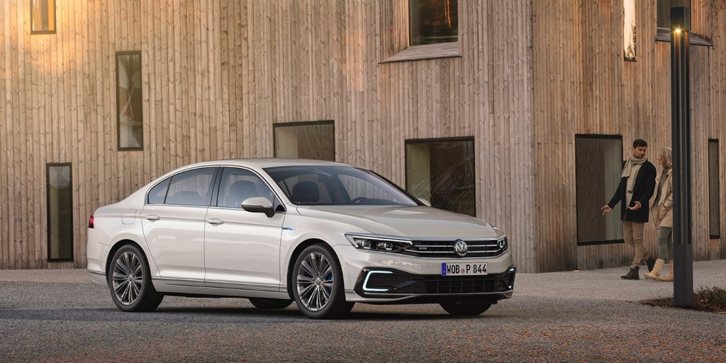 Названа дата старта продаж обновленного Volkswagen Passat в России